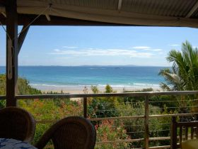 Claytons on Cylinder Beach Front Apartments - Tourism TAS