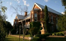 Lanigan Abbey Bed and Breakfast - Tourism TAS