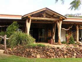 The Hollow Log Country Retreat - Tourism TAS