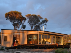 Sawyers Bay Shacks - Tourism TAS