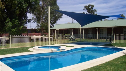 Carn Court Holiday Apartments - Tourism TAS