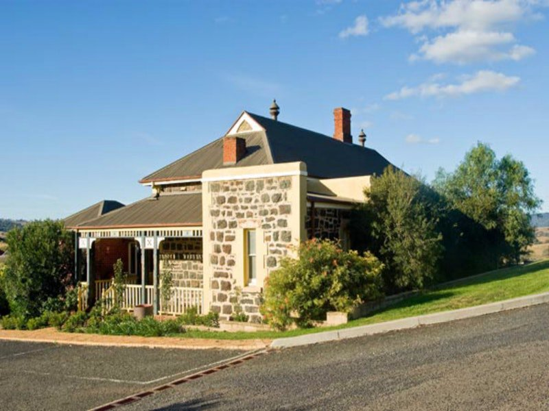 Hermitage Hill Resort - Tourism TAS
