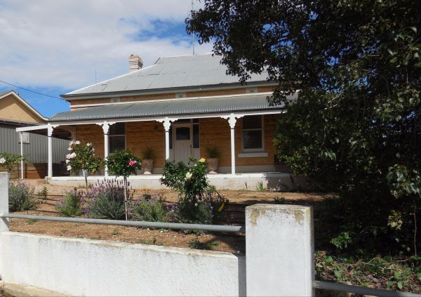Book Keepers Cottage Waikerie - Tourism TAS