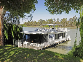 Boats and Bedzzz - The Murray Dream self-contained moored Houseboat - Tourism TAS