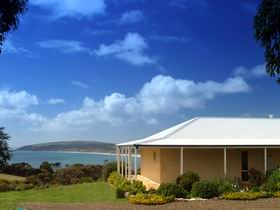 Seascape Lodge on Emu Bay - Tourism TAS