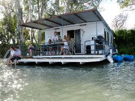 The Murray Dream Self Contained Moored Houseboat - Tourism TAS