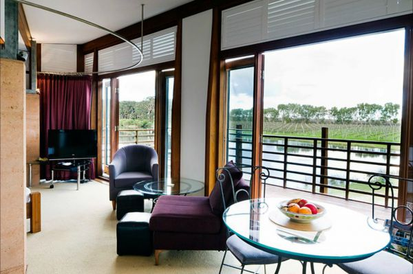 Bettenay's Lakeside Chalets and Luxury Spa Apartment - Tourism TAS