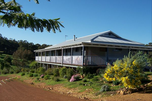 Blue House Bed and Breakfast - Tourism TAS