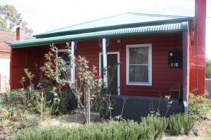 Red House Accommodation - Tourism TAS