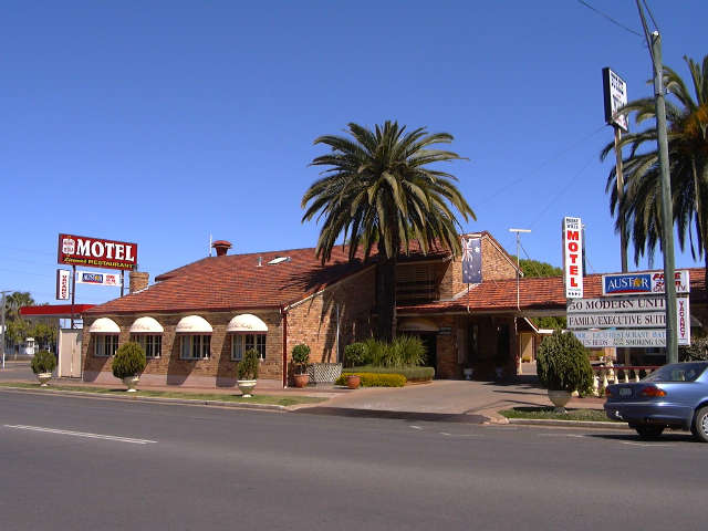 Burke  Wills Motor Inn - Tourism TAS