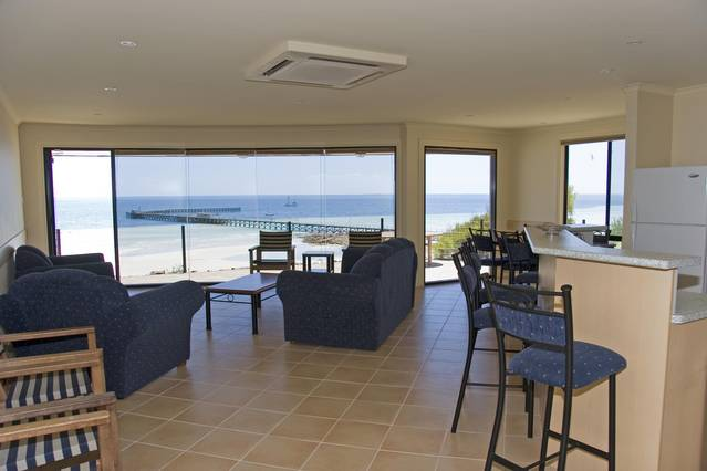 Cliff House Beachfront Villas - Tourism TAS