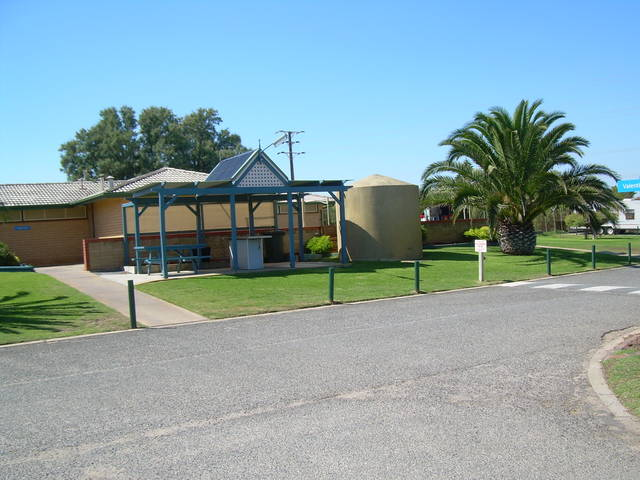 Discovery Holiday Parks - Adelaide Beachfront - Tourism TAS