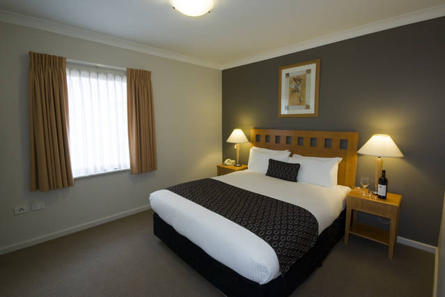 Mounts Bay Waters Apartment Hotel - Tourism TAS