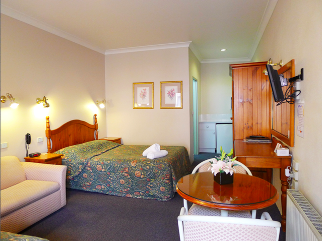 New England Motor Inn - Tourism TAS