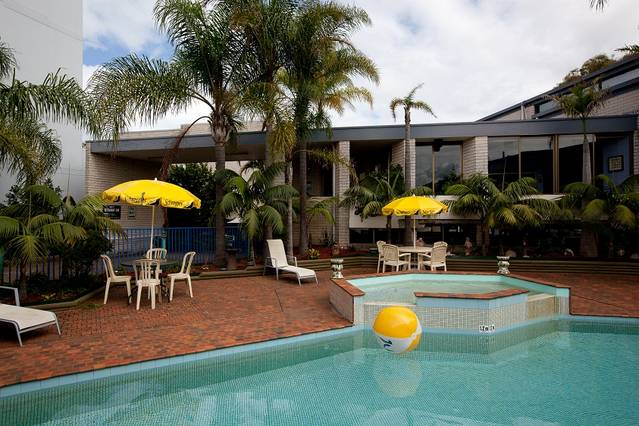 Palm Court Motor Inn - Tourism TAS