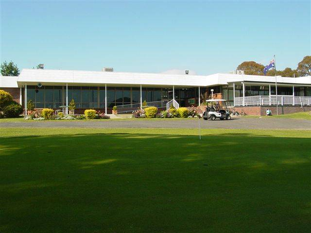 Tenterfield Golf Club and Fairways Lodge - Tourism TAS
