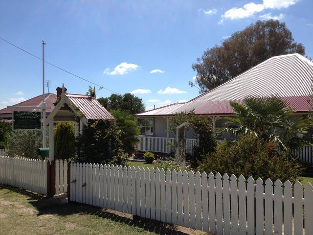 Tenterfield Luxury Historic c1895 Cottage - Tourism TAS