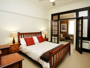 The Bank Guesthouse - Tourism TAS