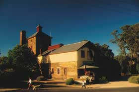 Knappstein Enterprise Winery and Brewery - Tourism TAS