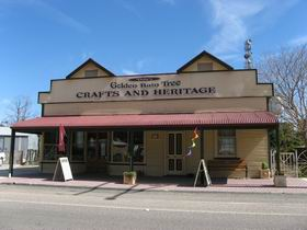 Dolly's Golden Raintree Craft and Heritage Centre - Tourism TAS