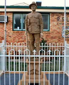 Soldier Statue Memorial Chinchilla