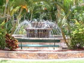 Bauer and Wiles Memorial Fountain - Tourism TAS