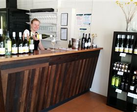 Billy Button Wines - Tourism TAS