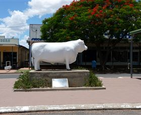 Aramac - The White Bull - Tourism TAS