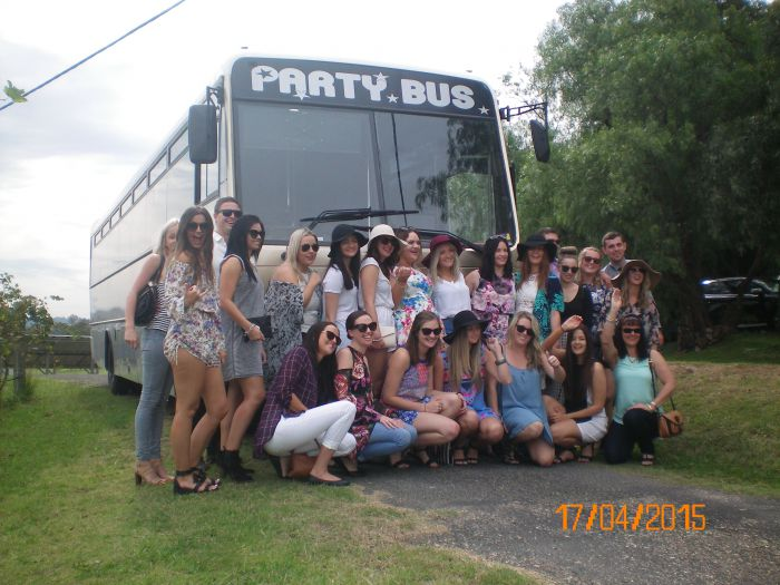 R  R Bus and Leisure Hire - Tourism TAS