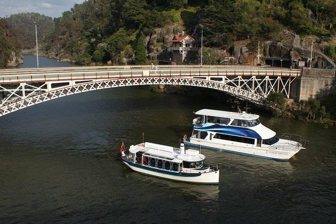 Batman Bridge 4 Hour Luncheon Cruise including sailing into the Cataract Gorge - Tourism TAS