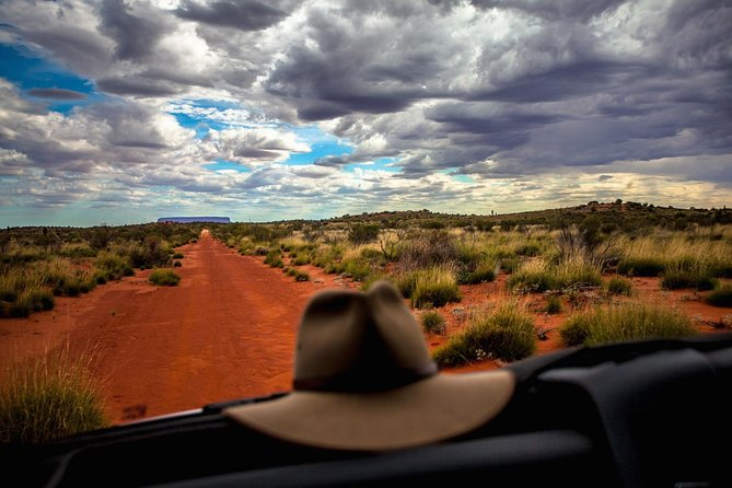 Mount Conner 4WD Small Group Tour from Ayers Rock including 3-Course Dinner - Tourism TAS
