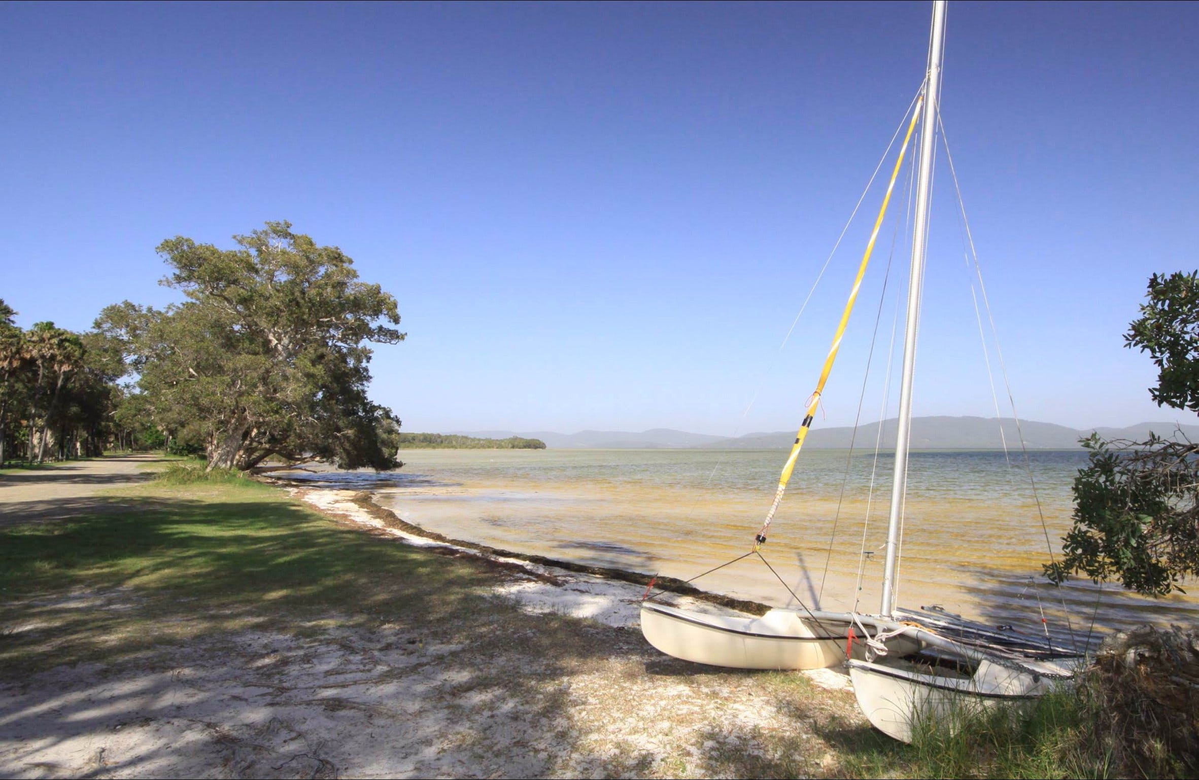 Sailing Club picnic area - Tourism TAS