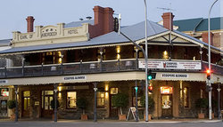 Coopers Alehouse at the Earl - Tourism TAS