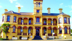 The Queenscliff Historic Royal Hotel - Tourism TAS