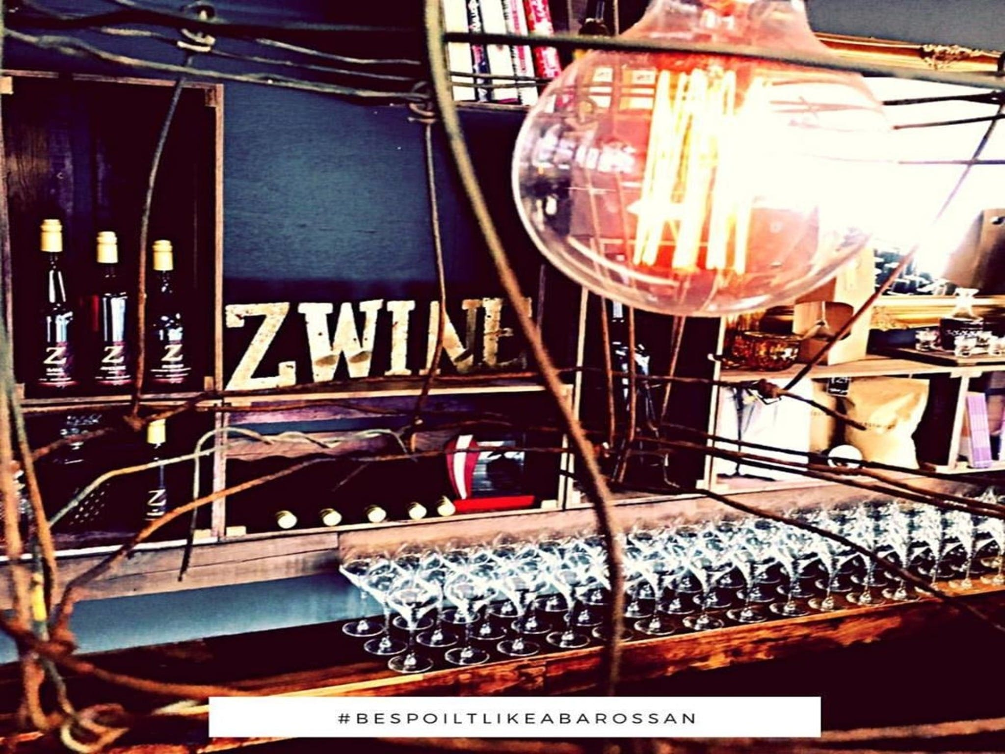 o'ne music LIVE MUSIC  Z WINE Cellar Door  Wine Bar - Tourism TAS