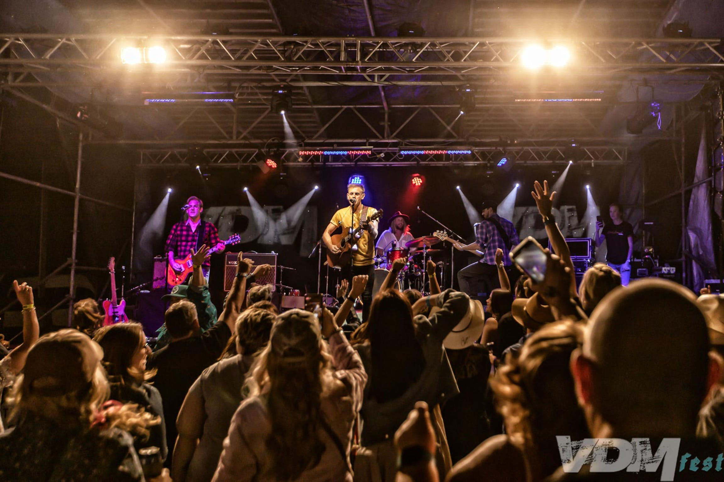 VDM Fest - Rock Edge Country Music Festival - Tourism TAS