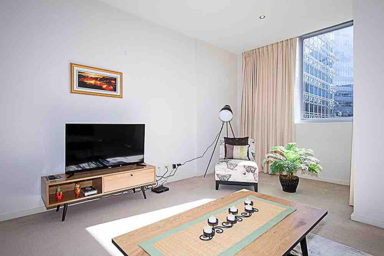 Spacious 1BR Stylish New Acton Apartment Parking - Tourism TAS