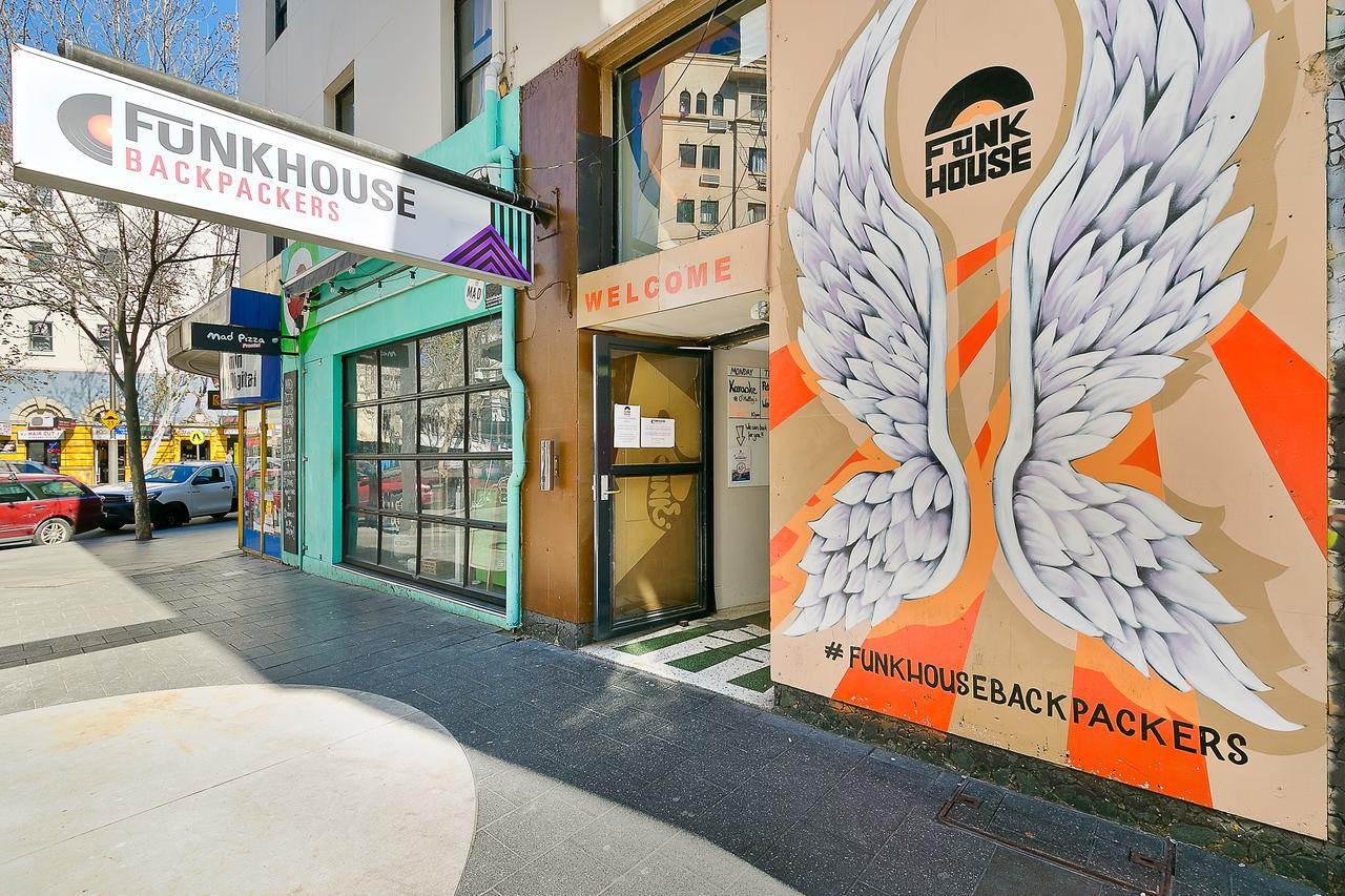 Funk House Backpackers - Tourism TAS