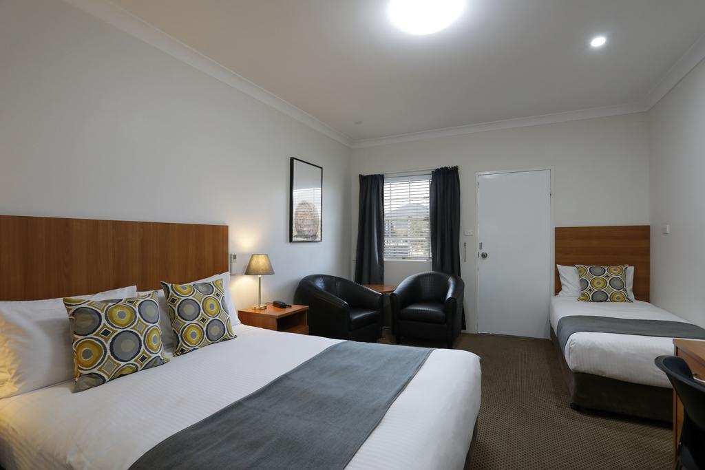 Cadman Motor Inn and Apartments - Tourism TAS