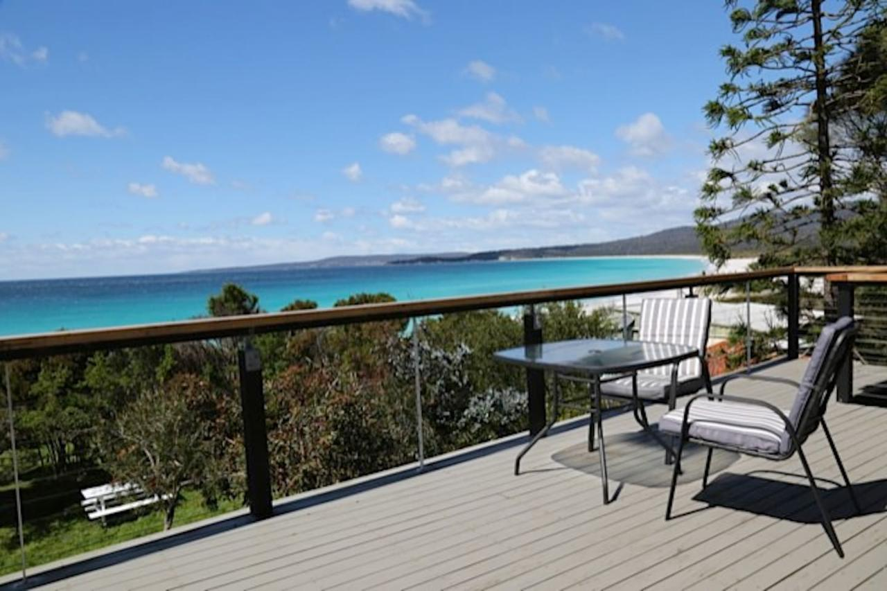 Driftwood Bay of Fires - Tourism TAS