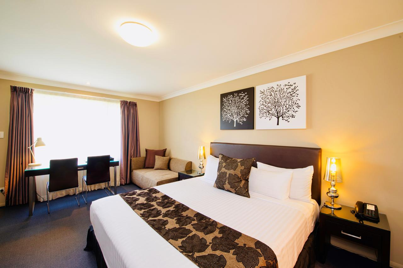 Best Western Plus Ambassador On Ruthven Motor Inn - Tourism TAS